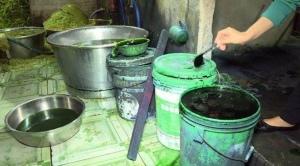 Rau ngâm hóa chất được đem đi nhập ở nhiều quán ăn